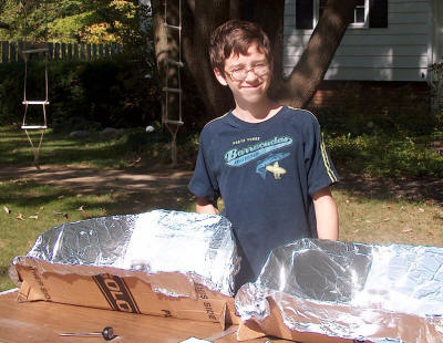 Max Ozimek tests homemade solar CooKits