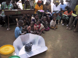 Simple solar cookers can pasteurize drinking water