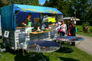 A traveling solar crêperie nourishes festival-goers while raising awareness about solar cooking