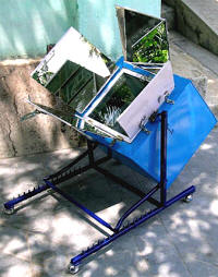 Sankha Subhra Datta's suspended solar box cooker can be rotated on two axes for increased performance.