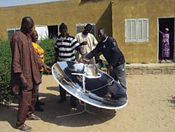 According to company representative Steven Wang, the BS-M2 parabolic solar cooker is especially popular in parts of Africa (Photo: Qingdao Bigstone Industrial)