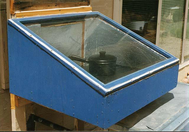 les plans complets du four solaire qui traverse le mur sont maintenant disponibles. Black Bedroom Furniture Sets. Home Design Ideas